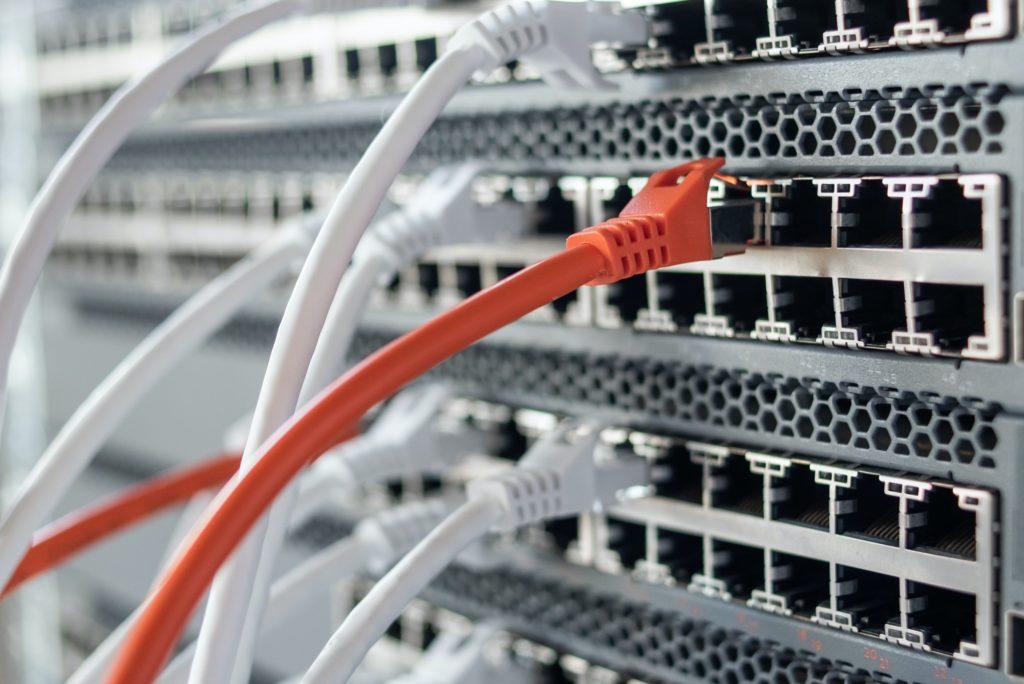 Working network hardware in data center
